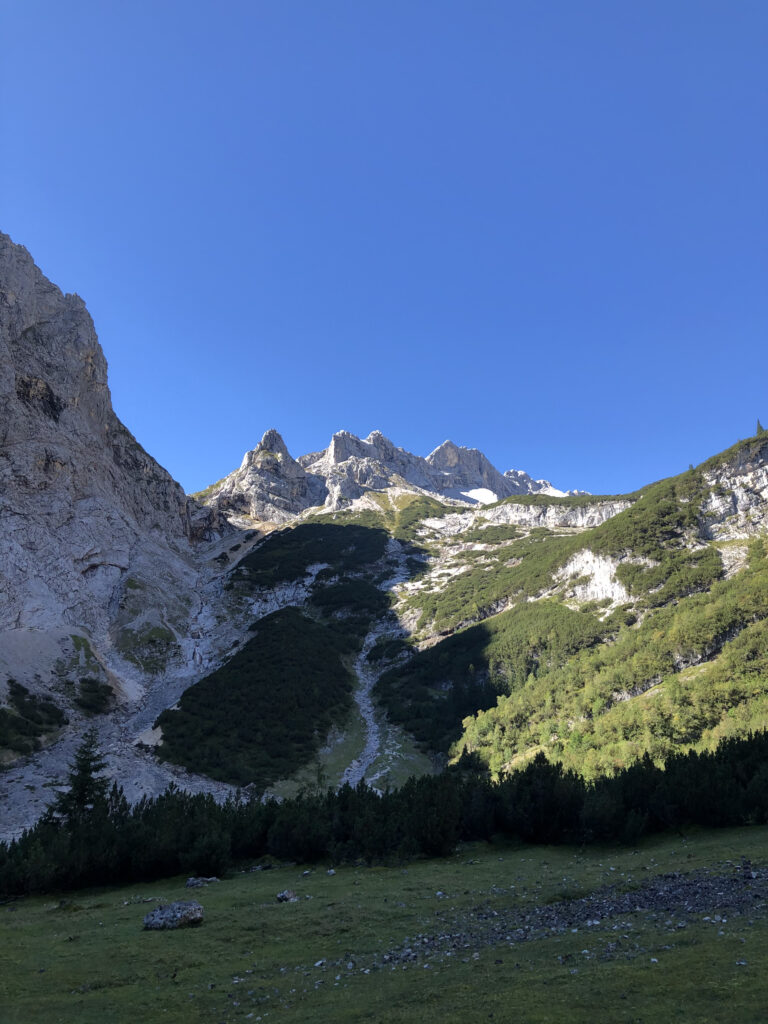 Zugspitze without climbing: Starting to defeat the mountain